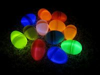 Glow in the dark egg hunt with glow stick bracelets inside each egg. Glow in the dark egg hunt with glow stick bracelets inside each egg. Easter Crafts, Holiday Crafts, Holiday Fun, Crafts For Kids, Easter Ideas, Holiday Ideas, Festive, Hoppy Easter, Easter Eggs