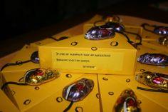 gegeven bij het afscheid van de peuterspeelzaal. In het doosje zaten snoepjes.