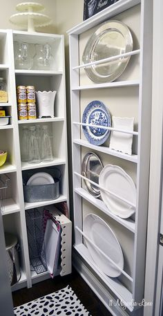 4 pantry organization ideas  http://www.houselogic.com/home-advice/kitchens/4-pantry-ideas-bring-sanity-your-kitchen/?cid=eo_sm_fb_mxm-social