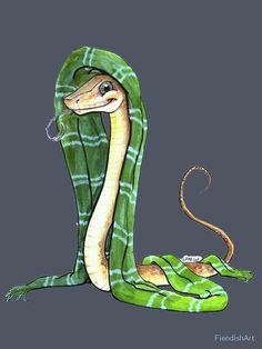 Snake in a Slytherin scarf Snek.< It's a snakey snake Art Harry Potter, Classe Harry Potter, Slytherin Harry Potter, Slytherin Pride, Ravenclaw, Slytherin House, Draco, Background Slytherin, Slytherin Snake