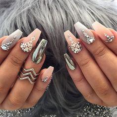 Spring Nail Art Cute Acrylic nail designs - Nails C Glam Nails, Classy Nails, Fancy Nails, Beauty Nails, Cute Nails, Pretty Nails, Hallographic Nails, Nails 2016, Stiletto Nails