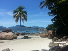 Praia do Aventureiro em Angra dos Reis, RJ