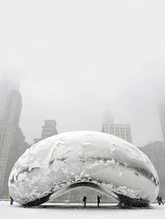 "Chicago Snow Storm by SMH... The sculpture ""Cloud Gate"", commonly known as ""the bean,"" is covered in snow. °"