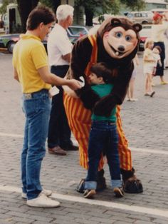 Showbiz Pizza / Chuck E. Cheese Rock-afire Explosion character