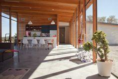 Freunde-von-Freunden-Alyson-Fox-31-930x620.  Austin contemporary home design,