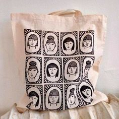 Painted Bags, Diy Mothers Day Gifts, Tampons, Linocut Prints, Art Plastique, Cotton Tote Bags, Printed Tote Bags, Fabric Painting, Printed Cotton