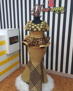Cool Madam Ankara Chronicles This year make a statement wit - Noviann (OFFICIAL PAGE) media photos videos African Wear Dresses, African Fashion Ankara, Latest African Fashion Dresses, African Print Fashion, African Attire, African Traditional Dresses, Traditional Outfits, Nigerian Lace Dress, October Outfits