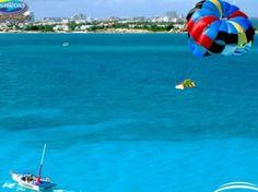Skyrider con Aquaworld. Nuestra experiencia sensacional Skyrider le llevará arriba, arriba y lejos en el claro cielo azul del Caribe. Súbete a contemplar las impresionantes vistas del mar, laguna y zona hotelera de Cancún.
