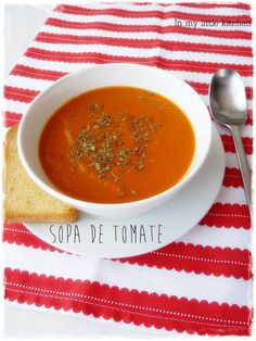 Sopa de tomate Healthy Recepies, Easy Healthy Recipes, Crockpot Recipes, Soup Recipes, Vegetarian Recipes, Easy Meals, Recipies, Chowder Soup, Gluten Free Soup