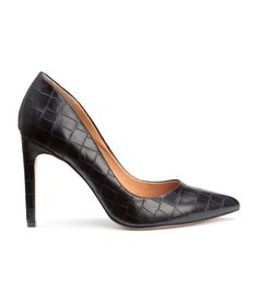 Pumps in crocodile-patterned imitation leather with pointed toes and rubber soles. Heel height 4 in. Walk In My Shoes, Me Too Shoes, Accessorize Shoes, Stiletto Heels, High Heels, Shoes 2015, Business Formal, Pumps, Kinds Of Shoes