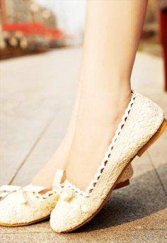 Crochet lace Flat shoes Ivory