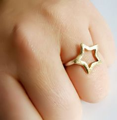 Star Ring ☆ would like this in silver.