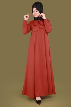 ** YENİ ÜRÜN ** Fularlı Tesettür Elbise Kiremit Ürün Kodu: UKB2085 --> 44.90 TL Islamic Fashion, Muslim Fashion, Modest Fashion, Fashion Outfits, Muslim Dress, Hijab Dress, African Fashion Dresses, African Dress, Simple Long Dress