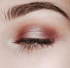 Makeup Eyeshadow Glitter Rose Gold Make Up 27 Ideas Makeup Goals, Makeup Inspo, Makeup Inspiration, Makeup Tips, Makeup Ideas, Fashion Inspiration, Makeup Primer, Easy Makeup, Spiritual Inspiration