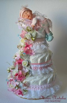 Cake Pink Wonder for a newborn girl with Anna Geddes baby doll. Regalo Baby Shower, Idee Baby Shower, Baby Shower Crafts, Baby Shower Diapers, Girl Shower, Baby Crafts, Shower Gifts, Baby Party, Baby Shower Parties