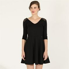 Pimkie.es : Nos encanta el corte retro del vestido de patinadora y sus detalles de encaje.