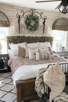 Hardwood, vintage, light colors- these named decor elements are all about rustic bedroom decor. Bedroom 49 Fantastic Ideas For Rustic Bedroom Decor - Rustic News Farmhouse Bedroom Decor, Home Bedroom, Bedroom Furniture, Bedroom Rustic, Master Bedroom, Bedroom Romantic, Country Bedrooms, Rustic Room, Rustic Bedding