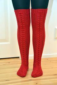 KARDEMUMMAN TALO: Punaiset joulusukat Lace Socks, Winter Beauty, Leg Warmers, Knit Crochet, Winter Outfits, Stockings, Knitting, Accessories, Clothes