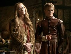 Game of Thrones' Cersei Lannister: The woman we love to hate. She's so cunning, intelligent, and dresses to kill (pun intended, guys!) — it's hard not to want to do a Cersei Lannister costume analysis. So in the spirit of my recent foray into the… Game Of Thrones Joffrey, Game Of Thrones Episodes, Game Of Thrones Fans, Cersei Lannister Costume, Got Lannister, Ramsey Bolton, King Joffrey, Got Characters, Evolution Of Fashion