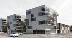aum minassian architectes le-clos-des-pierres-01-aum-minassian-architecture-minimaliste-logements-collectifs-materiaux-beton-brut-annecy-haute-savoie-74