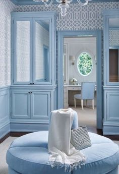 Love the pale blue! Schumacher wallpaper and a Studio 54 pouf in the dressing room of a Greenwich home by Jame Schettino Architects. Via Connecticut Cottages and Gardens, Oct. Baby Blue Aesthetic, Light Blue Aesthetic, Bleu Pastel, Himmelblau, Blue Rooms, Dream Closets, House Tours, Declutter, New Homes
