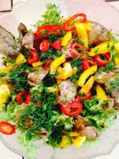O salata interesanta recomandata de Carmen Bruma Cold Vegetable Salads, Vegetable Pizza, Pasta Salad, Cobb Salad, Healthy Salad Recipes, Food Art, Food And Drink, Dinner, Vegetables