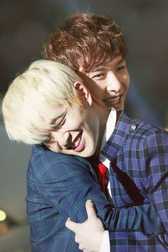Onew and Lay