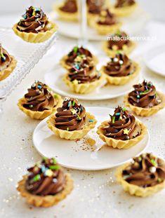Mini Cupcakes, Waffles, Cookies, Baking, Breakfast, Desserts, Impreza, Yummy Cakes, Meals