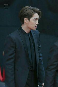 """interesting how jongin's best looks are when he wears black on black 🧐"" Exo Kai, Chanyeol, Kyungsoo, Kris Wu, Exo Korean, Kim Minseok, Kaisoo, Exo Members, Yixing"
