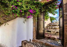 The welcoming doors of Mansion Sophia in Santorini  http://ift.tt/1mRHTcf  #santorini #santorinigreece #santoriniisland #santorinivillas #santoriniheritage #greece #travel