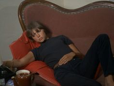film french eric rohmer foreign film The Collector La Collectionneuse Parisienne Chic, Neue Outfits, Come Undone, French Films, French Icons, How To Pose, Poses, Retro Aesthetic, Mode Vintage