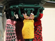 Statues appear to be one of the favorite subjects for crochet and knit artists to graffiti. Unlike paint graffiti, these street art works don't vandalize or damage property.