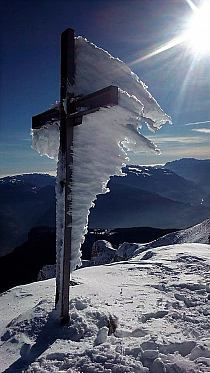 The power of winter on the Gran Sasso Mountain, Abruzzo, Central Italy. - Nature And Science Cool Pictures, Cool Photos, Beautiful Pictures, All Nature, Amazing Nature, Beautiful World, Beautiful Places, Winter Szenen, Winter Beauty