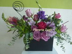 Purple centerpiece #Cancunweddingflowers #Cancunflowershop #Floresbodascancun #Floreriascancun