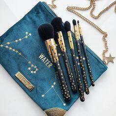 Authentic Organic Natural EcoTools BAMBOO Starter Makeup Brush Set Eco Tools Make up piece makeup brush set) - Cute Makeup Guide Gold Makeup, Cute Makeup, Skin Makeup, Beauty Makeup, Clean Makeup, Make Up Tools, Makeup Guide, Makeup Geek, Acrylic Makeup Storage