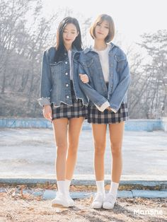 koreanische Mode: Koreanische Twin Look Mode -Offizielle koreanische Mode: Koreanische Twin Look Mode - Korean Twin Look Fashion Korean Street Fashion, Korea Fashion, Kpop Fashion, Cute Fashion, Asian Fashion, Girl Fashion, Fashion Outfits, Womens Fashion, Fashion Tips
