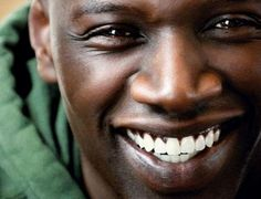 The Omar Sy Phenomena: The Intouchables! France's new darling! Intouchables Film, Smile Face, Make You Smile, Gorgeous Men, Beautiful People, Films Cinema, Black Actors, Best Actor, Actor