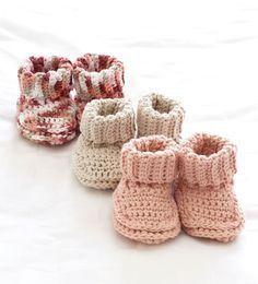 cozy baby booties- free crochet pattern
