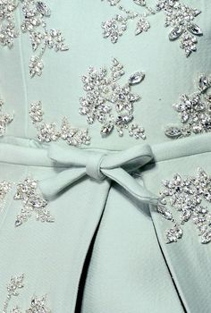 Jeweled. Pastel. Diamonds. #bestickt #diamanten #mint #mode