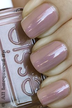 Of course Essie. When does Essie ever disappoint you? Get Nails, Love Nails, How To Do Nails, Pretty Nails, Hair And Nails, Pink Nails, Essie Nail Polish, Nail Polish Colors, Nail Polishes