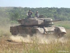 From the middle of the last century, the army has made South Africa tanks Centurion received the title Olifant (elephant). South African Air Force, Army Day, Battle Rifle, Armored Fighting Vehicle, Tactical Survival, Military Helicopter, Battle Tank, Modern Warfare, Panzer