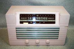 Vintage Stewart-Warner Radio Model 9000-B