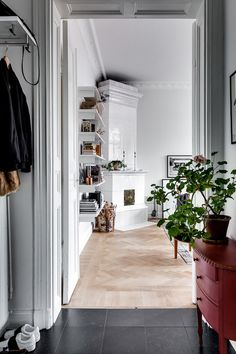 An elegant and calm Stockholm apartment