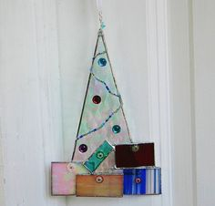 Cute Ornament. Very similar to the ones I made this year. Lots of fun!