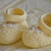Yellow Pearl Baby Booties - via @Craftsy