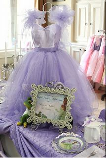 Princess/Ballerina party feature on www.partyfrosting.com