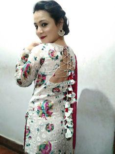 Beautiful Neck designs for kurti with dori work By : Kurti Back Neck Designs, Simple Kurta Designs, Kurti Sleeves Design, Neck Designs For Suits, Kurta Neck Design, Sleeves Designs For Dresses, Dress Neck Designs, Kurta Designs Women, Churidar Designs
