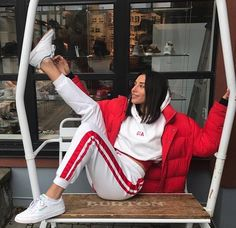 Korean Fashion – How to Dress up Korean Style – Designer Fashion Tips Fashion Mode, Look Fashion, Teen Fashion, Korean Fashion, Winter Fashion, Fashion Outfits, Fashion Trends, Fashion Scarves, Classy Fashion