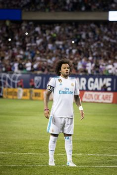 football is my aesthetic Real Madrid Football Club, Real Madrid Players, Best Football Team, Football Art, World Football, Football Pictures, Marcelo Real, Mc 12, Soccer Players