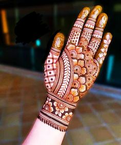 Mehndi Designs Front Hand, Floral Henna Designs, Back Hand Mehndi Designs, Latest Bridal Mehndi Designs, Henna Art Designs, Mehndi Designs For Beginners, Modern Mehndi Designs, Mehndi Designs For Girls, Mehndi Design Photos